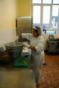 Travail à la cuisine centrale